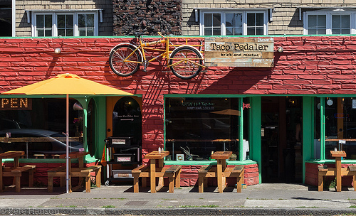 brick-and-mortar-store